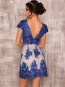 Платье кружевное с открытой спиной синее